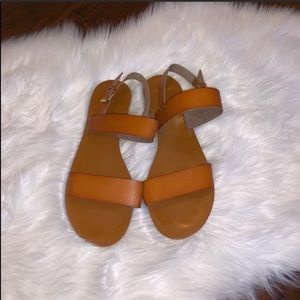 Old Navy Flat Brown Size 10 Sandals